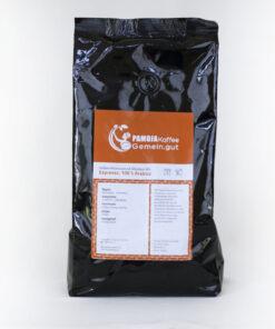 produktbild schwarze alufolie etikett pamoja indian espresso monsooned malabar aa hintergrund hell